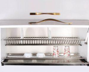 ظرف های زیادی را داخل آبچکان دو طبقه کابینت ام دی اف مدل 1003 قرار دهید