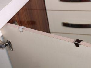 جا حوله ای استیل با اتصال به درب کابینت و کمد