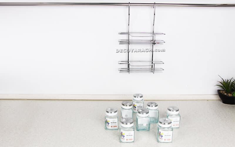 هشت عدد قوطی شیشه ای در دو طبقه جاادویه ای آویز قرار میگیرد.